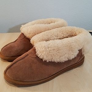 emu fur-lined boots slippers size 9 Chestnut